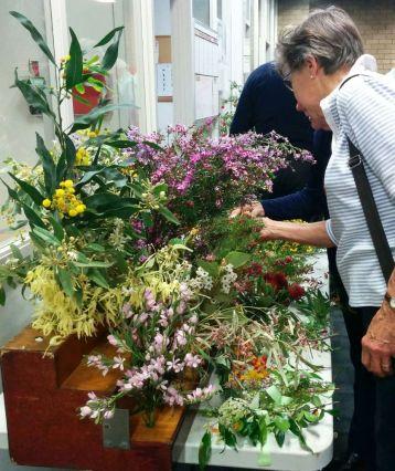 October flower table